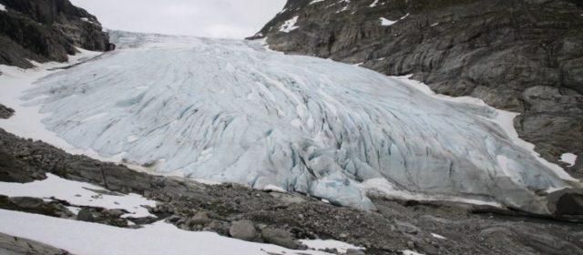 Filmpjes van onze wandeltocht naar de gletsjer